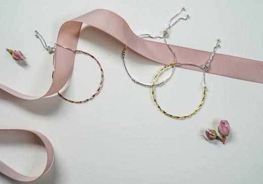 banner bracelet